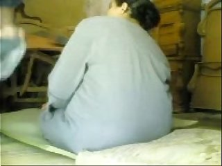 BBW GRANNY ARAB IN WORKSHOP SPY CAM
